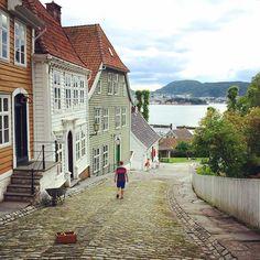 Gamle Bergen by @kiversen on Instagram