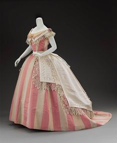 Womans evening dress in three parts about 1865 Via civil-war-dress :) 1800s Fashion, 19th Century Fashion, Victorian Fashion, Vintage Fashion, Victorian Dresses, 18th Century, Emo Fashion, Victorian Era, Style Fashion
