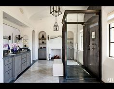 Bathroom! Love the double entry shower. Gisele Bundchen and Tom Brady's Los Angeles Home | TooFab Photo Gallery