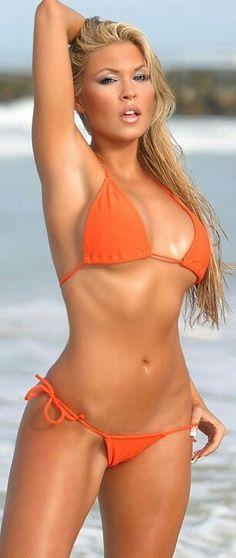 Bikini Beach, Hot Bikini, Bikini Girls, Nice Bikinis, String Bikinis, Sexy Women, Swimwear, Swimsuits, Belle