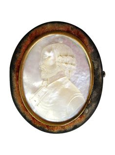 Gorgeously carved and luminescent: Antique Mother of Pearl Portrait and Velvet Oval Box   The HighBoy   www.thehighboy.com