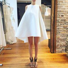 "2,085 Likes, 20 Comments - @yokoyamashiro on Instagram: ""Tuesday PFW diary-day2 やっと来れた @toni_maticevski @haute_renttorunway がずっと注目していたブランド。 洗練されたドレスたち。…"""