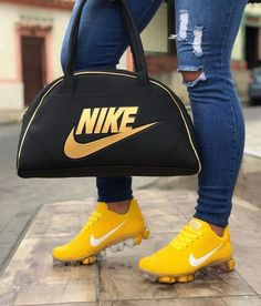 nike running shoes with purse Nike Air Shoes, Running Shoes Nike, Nike Shoe, Pretty Shoes, Cute Shoes, Cute Sneakers, Shoes Sneakers, Nike Bags, Fresh Shoes
