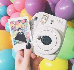 12 Fascinating Polaroid Camera Book Album Polaroid Cameras For Photography Instax Mini 9, Instax Mini Camera, Fujifilm Instax Mini, Tumblr Photography, Photography Camera, Polaroid Instax, Polaroid Cameras, Polaroids, Polaroid Film