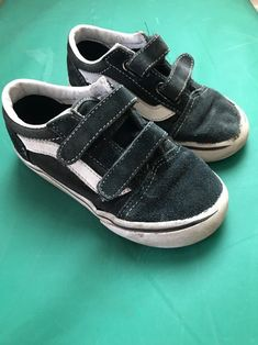 b1c606f53d Toddler Boys Vans Skate Shoes Size 9 Sk8 LO Black White Velcro Play  Condition