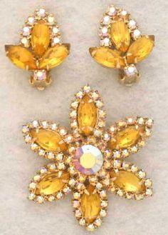 *VINTAGE JEWELRY ~ yellow earrings, brooch, rinestones