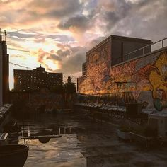 Inspiration doesn't take breaks . . . #newyork #nyc #snap #view #rooftop #sunset #art #graffiti #clouds #cloudporn #city #cities #sky #orange #inspiration #photography #picture #picoftheday #photooftheday #creative #creativity