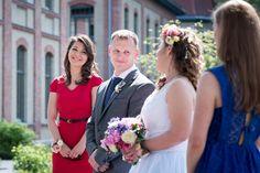 Marcsinak és Bécinek több okból is hálásak vagyunk. Önmagában menő, hogy valaki egy egész hetes eseménysorozattal ünnepli az esküvőjét, az nagy öröm nekem (a fotósnak), hogy Budapest egyik legizgal…