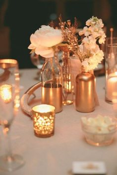 Top 2015 Wedding Trends from Chicago Wedding Planner Shannon Gail - Gold wedding centerpiece idea that we love! Rose Gold Centerpiece, Gold Wedding Centerpieces, Gold Vases, Table Centerpieces, Gold Candles, Reception Decorations, Table Decorations, Cheap Centerpiece Ideas, Wine Bottle Centerpieces
