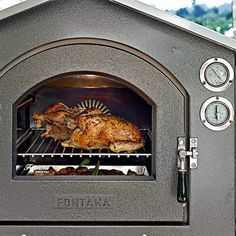 Take wood-fired baking to delicious new levels with this top-of-the-line outdoor convection oven from Italy. It's amazingly efficient – and very easy to use. Just build a fire in the middle chamber, and when the thermometer show Outdoor Oven, Outdoor Cooking, Indoor Pizza Oven, Outdoor Kitchen Countertops, Outdoor Kitchens, Cooking Sheet, Bread Baking, Baking Pans, How To Cook Pasta