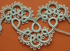 Széle minta - edging - motif No. Needle Tatting, Tatting Lace, Tatting Patterns, Lace Making, Bobbin Lace, Felt Hearts, Crochet Earrings, Inspiration, Quilts