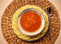 Turkse Kippensoep Arabasi Deze soep drinken wij meestal met enorme koude weer. Heerlijk met citroen en deze soep is het pittigst lekker. Zeer gemakkelijk om te maken. Ingrediënten: 300 gram gekookt…