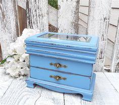 Cottage Chic BLUE Jewelry Box  SHABBY CHIC от HuckleberryVntg, $59.00
