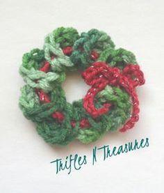 Seasonal Wreath FREE Pattern