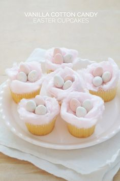 These Adorable Easter Desserts Will Make The Whole Family Happy Vanille Zuckerwatte Ostern Cupcakes Cotton Candy Cupcakes, Easter Cupcakes, Baking Cupcakes, Cupcake Recipes, Dessert Recipes, Cupcake Ideas, Mocha Cupcakes, Gourmet Cupcakes, Strawberry Cupcakes
