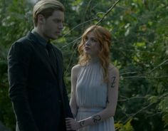 New photo of shadowhunters season 3 clace ��� My babies they are so cute I can't wait. Clary Und Jace, Clary Fray, Shadowhunters Tv Series, Shadowhunters The Mortal Instruments, Shadow Hunter Season 3, Dominic Sherwood, Katherine Mcnamara, Clace, City Of Bones