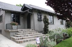 grey stucco bungalow - Google Search The Foodinista https://thefoodinista.wordpress.com/tag/farrow-ball/