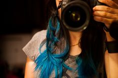my current hairstyle! (Amplified Atomic Turquoise by Manic Panic)