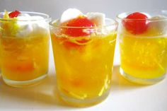 Pina Colada Jell-O Shot...I love coconut rum.  These sound yummy for a poolside BBQ!