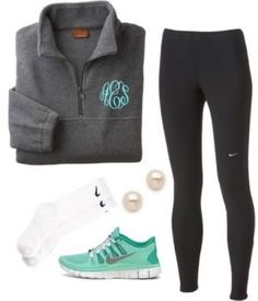 College Fashion In college, some take the opportunity to dress down, while others take the opportunity to explore new styles! Check this list of cute college outfits for girls! Cute College Outfits, Lazy Day Outfits, Sporty Outfits, Athletic Outfits, Cute Outfits, Athletic Shoes, Athletic Clothes, Gym Outfits, Fitness Outfits