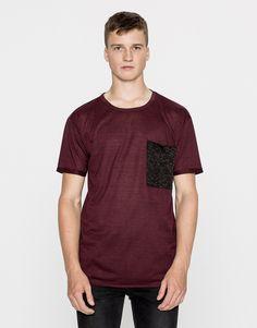 Camiseta bolsillo contraste - Camisetas - Ropa - Hombre - PULL&BEAR Colombia