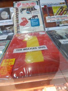 the beatles 1 : lo tengo en cd, y ahora veo que hay un dvd, no se si tendrán vídeos de los temas o que onda igual vi que esta mas de 200 mangos saludos | ahorayya2