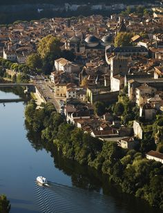 Cahors, Lot, France [2296x3000] : CityPorn