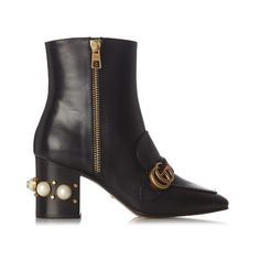 Gucci Peyton faux-pearl embellished leather boots (€1.440) ❤ liked on Polyvore featuring shoes, boots, black leather boots, leather boots, studded leather boots, black studded boots and gucci loafers