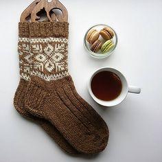 Brown socks pattern by Lene Olszeth Brunette socks by Lene Olszeth Knitting , lace processing is the most beautiful hobbies that girls can not give up. Knitting Patterns Free, Free Knitting, Knitting Socks, Crochet Patterns, Knit Socks, Brown Socks, Patterned Socks, Fair Isle Knitting, Knitting For Beginners