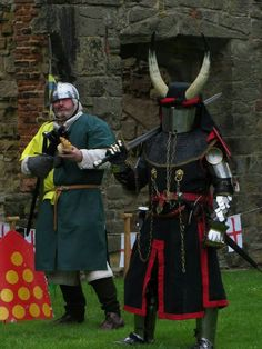 14th Century Armour. Knight and Squire.