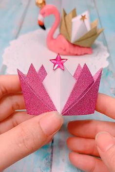 Origami Crowns – Easy Paper Craft For Kids - Easy Crafts for All Paper Crafts Origami, Diy Crafts For Gifts, Paper Crafts For Kids, Diy Arts And Crafts, Craft Stick Crafts, Hobbies And Crafts, Origami Crown, Instruções Origami, Kids Origami