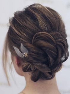 Wedding Hairstyles for Long Hair from Tonyastylist / http://www.deerpearlflowers.com/wedding-hairstyles-for-long-hair-from-onyastylist/4/a