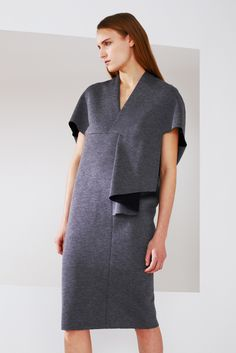 See the complete Chalayan Pre-Fall 2015 collection.