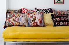 25 lovely yellow sofas