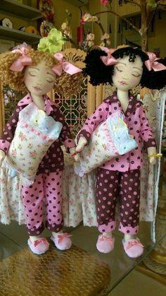 Bonecas de pano Soraia Flores.