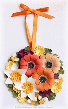 Faça você mesma enfeites com flores de papel