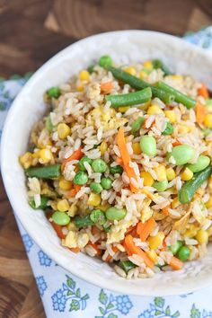 6. 5-Ingredient Vegetable Fried Rice #easy #vegetarian #recipes http://greatist.com/eat/vegetarian-recipes-with-five-or-fewer-ingredients