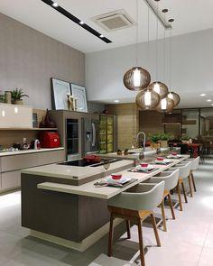 Em visita à loja descobri a cozinha dos sonhos @bontemponatal está incrivelmente irresistível   Foto @decoredecor @ionarapaulino #decoredecor #bontemponatal #design #planejados #style #architecture