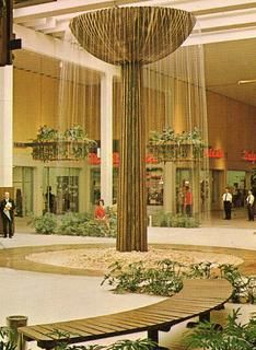 Malls of America - Vintage photos of lost Shopping Malls of the 50s, 60s & 70s
