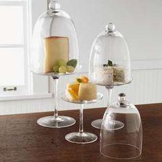 sur la table, glass cloches