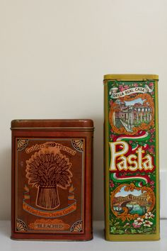 vintage tins.  I have the pasta tin!