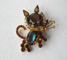 Vintage Juliana D & E Rhinestone Figural Kitty Cat Brooch