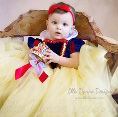 HALLOWEEN DELIVERY W/RUSH Snow White Costume Princess Gown