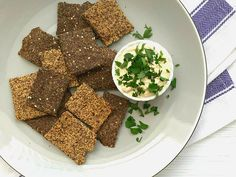 Easy Crunchy Flaxseed Crackers