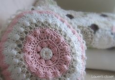 Lauren's Closet: Crochet Pillow For Mom