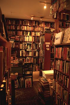 the next bookshop i visit is staffed by leopards Beautiful Library, Dream Library, Library Books, Book Aesthetic, Aesthetic Pictures, Old Libraries, Bookstores, Library Inspiration, Book Nooks