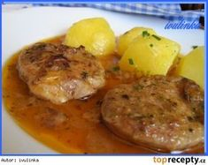 Panenkové medailonky dušené na špeku a cibuli No Salt Recipes, Meat Recipes, Czech Recipes, Ethnic Recipes, Good Food, Yummy Food, Goulash, Food 52, Family Meals