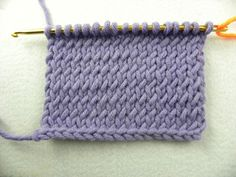 Knooking - Glatt rechts verschränkt - auf Youtube: http://www.youtube.com/watch?v=cX9zwNDY0Nk