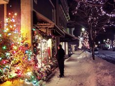 #Holiday Shopping #Harbor Springs Fly Lakeshore Express to shop this winter wonderland