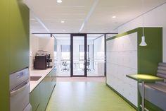 Heerema Marine Contractors | Interior design by HEYLIGERS design + projects. Office, corporate, pantry, breakout, interior design.